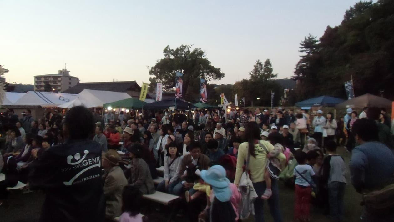 汤筑城观月祭典
