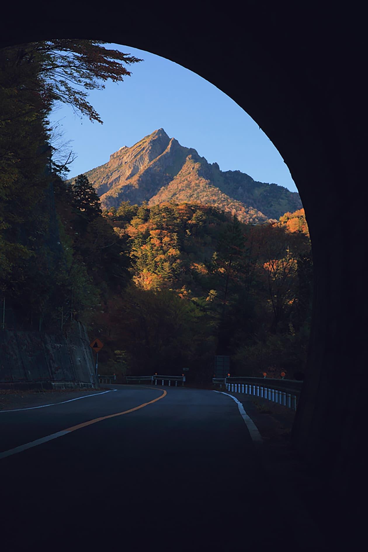 石缒环山路