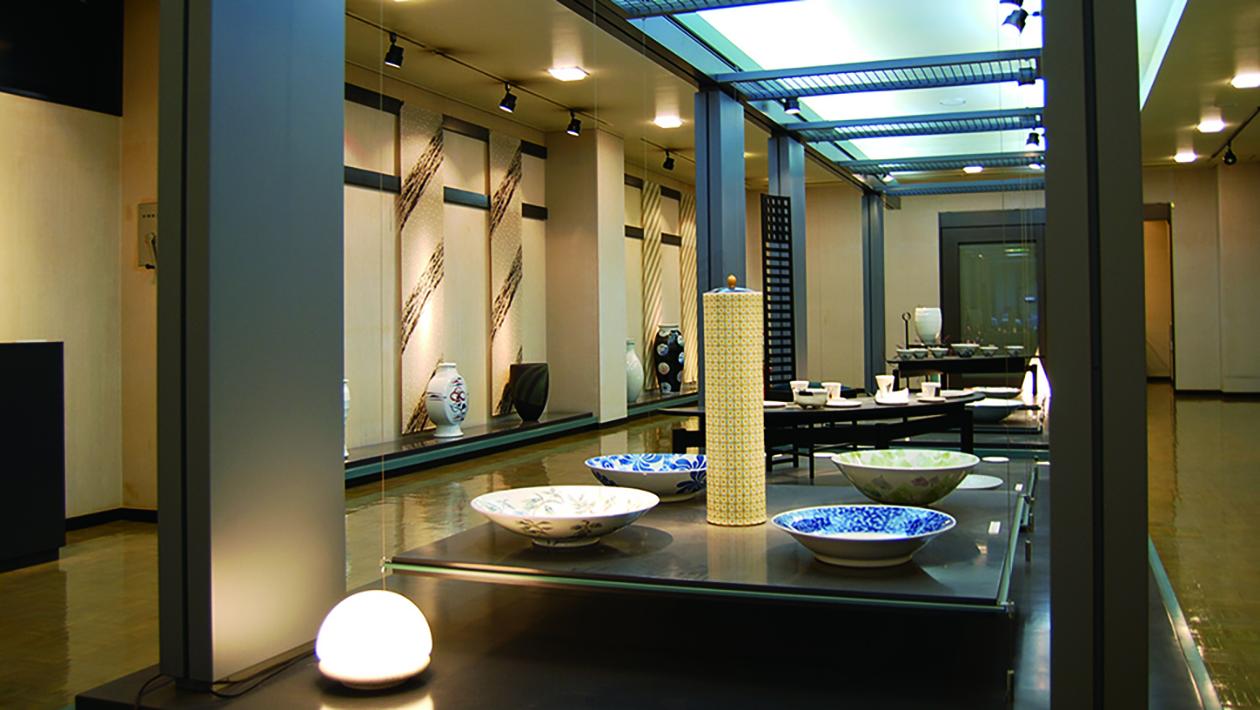 砥部烧陶艺传统产业会馆