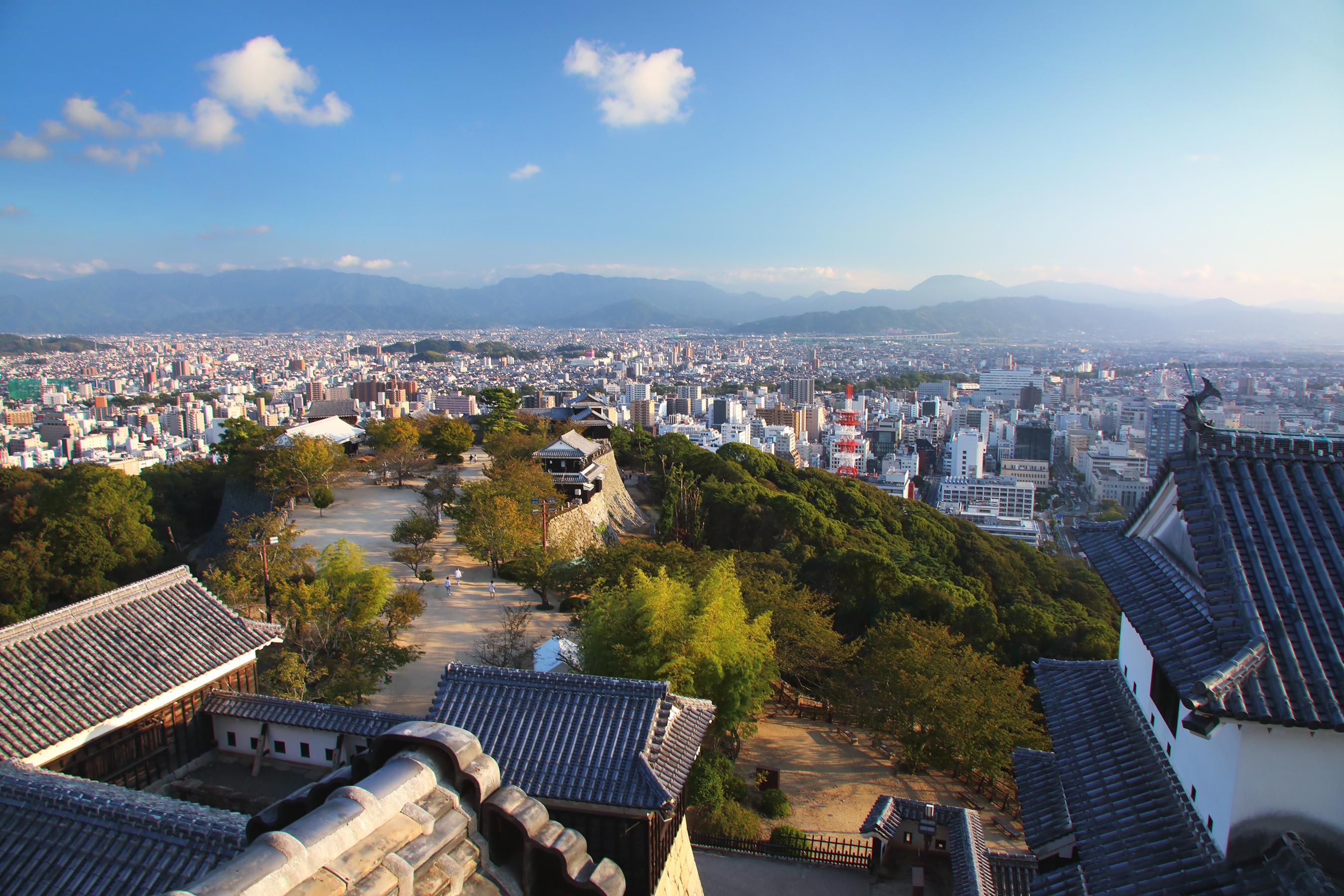 日本的名城。喜欢城堡必看的「松山城」的魅力所在?